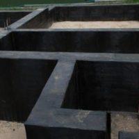 Как защитить стены и фундамент дома от влаги ?